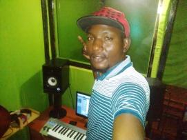 Sigidi somewhere in his studio